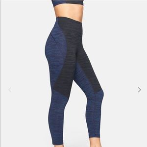 Outdoor Voices TechSweat 3/4 Two-Tone Leggings